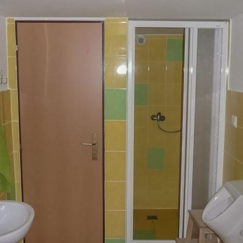 Chata Sněžná - koupelny a WC